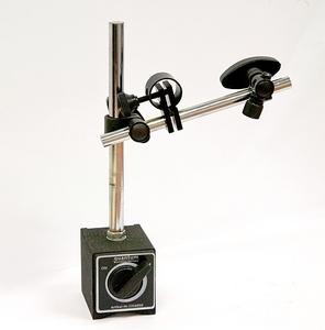 Přesný magnetický měřící stojan